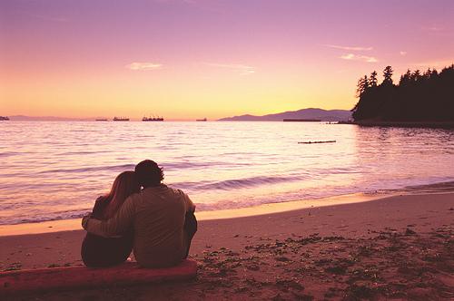 chum tho tinh lang man ve bien cung tinh yeu em anh - Chùm thơ tình lãng mạn về biển cùng tình yêu em & anh